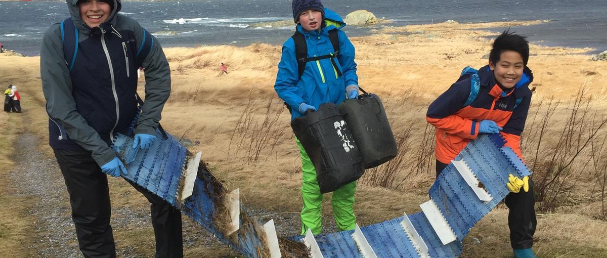 tre gutar ryddar Bergsøya